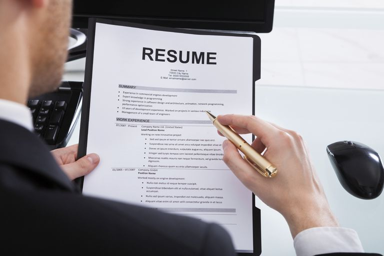 How Managers Review a Resume cvDragon